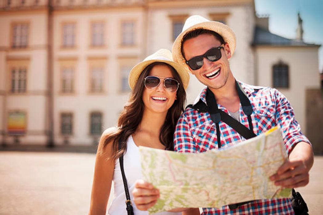 Locals Who Live In Tourist Destinations Share Their Ridiculous 'Stupid Tourists' Moments