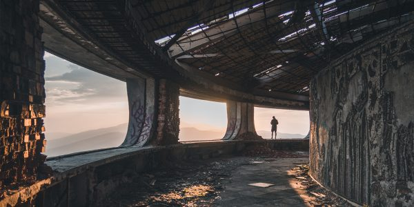 People Who Explore Abandoned Buildings Share Their Scariest Experiences