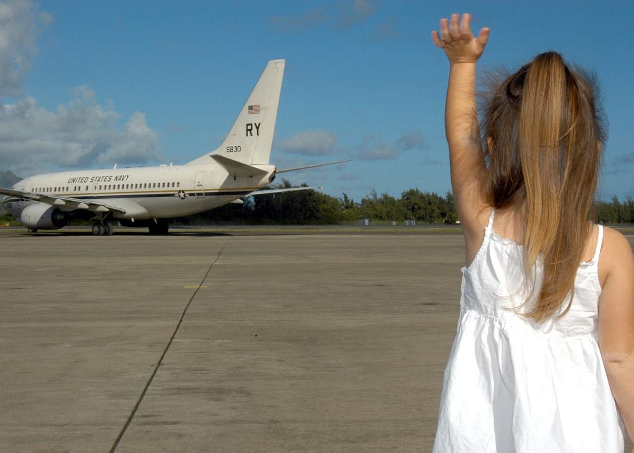 People From Around The World Share Their Airport Farewell Stories