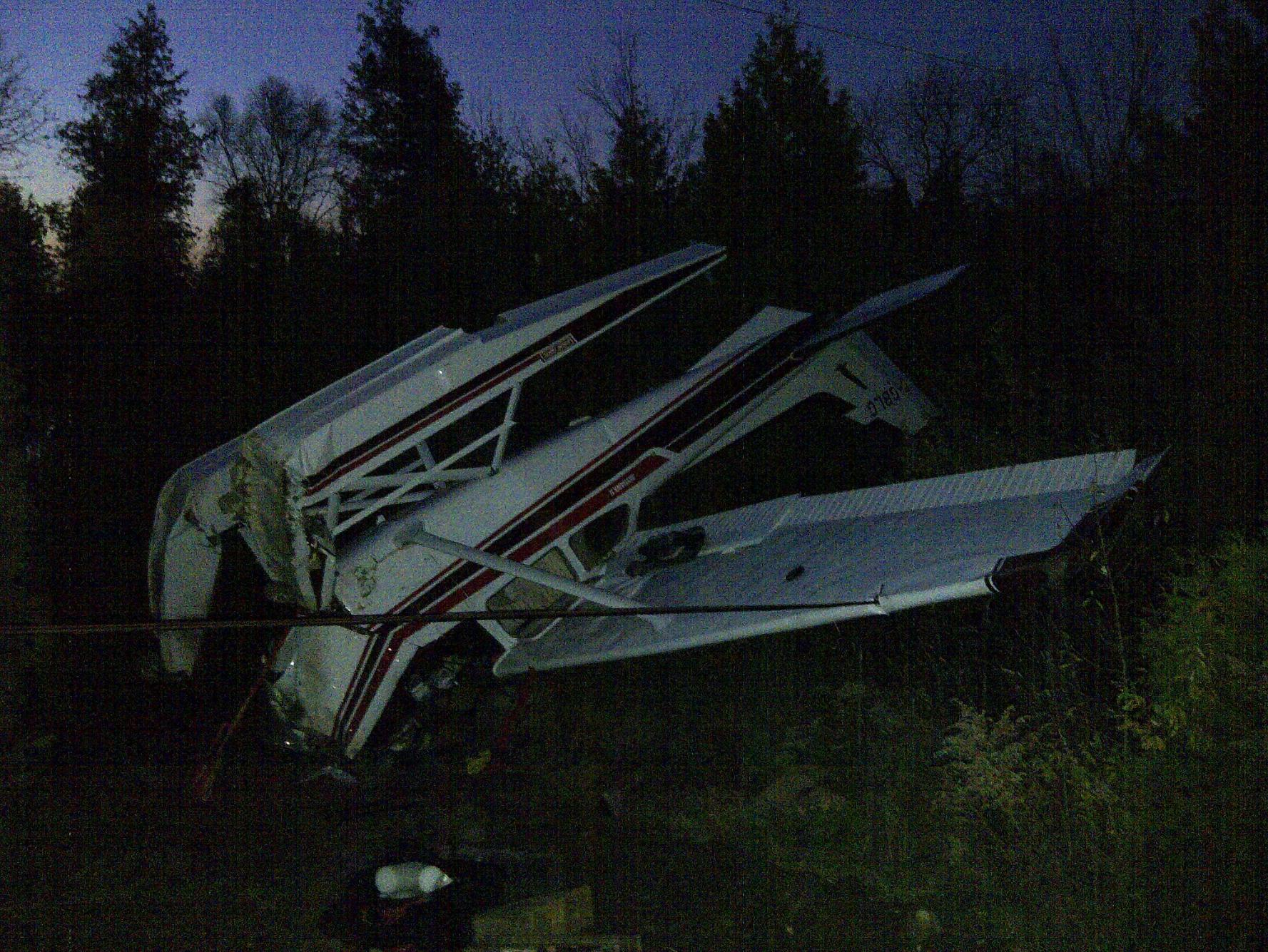 Survivors Of Plane Crashes, Sinking Ships And Natural Disasters Share How It Happened