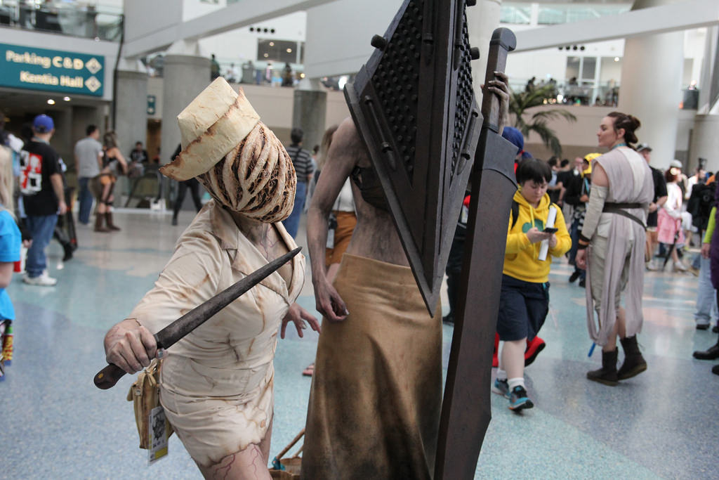Cosplayers From Around The World Share Their Cringe-Worthy Convention Experiences