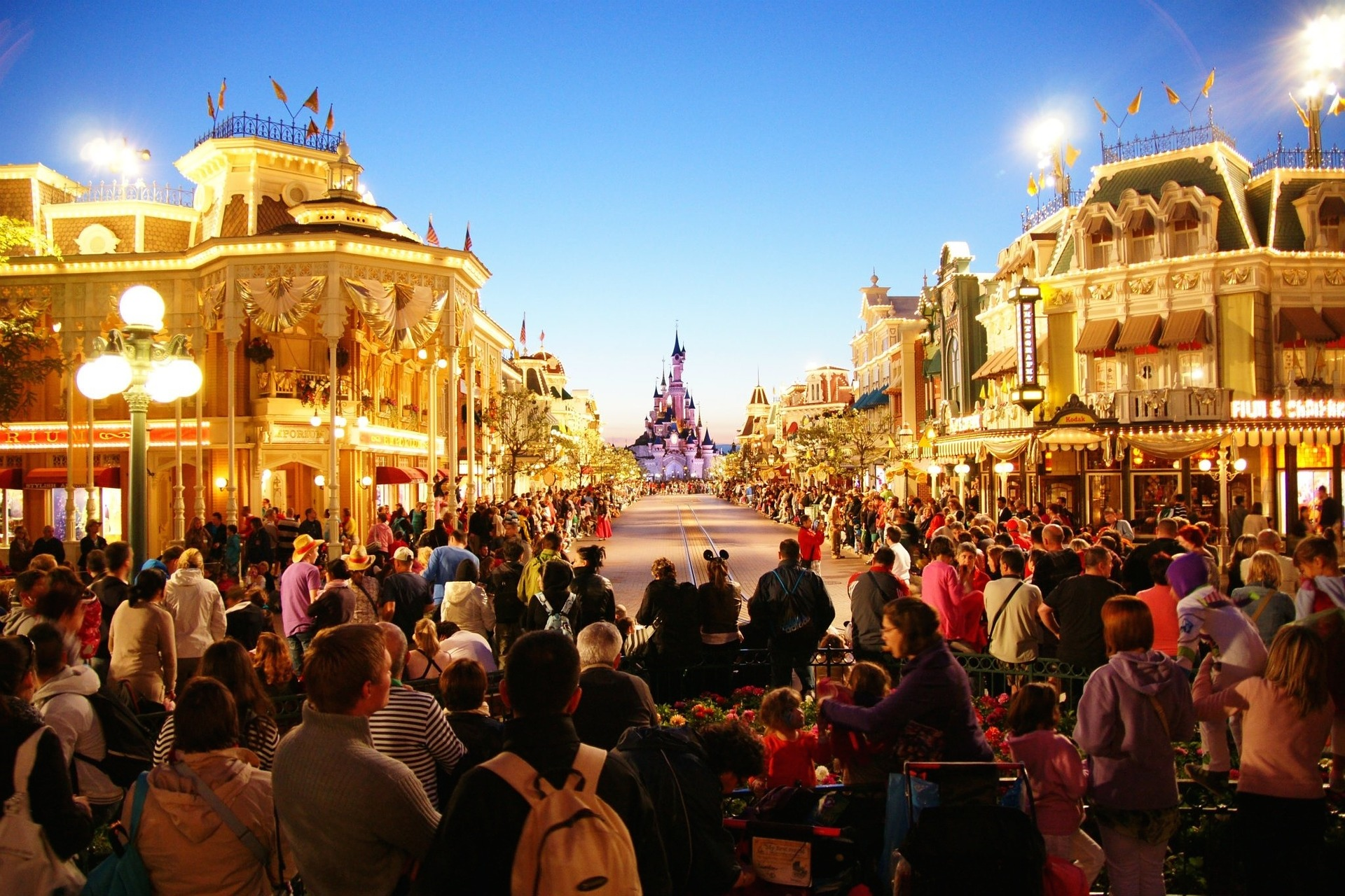 Disney World Staff And Guests Share Their 'Behind The Magic' Stories