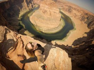 50 Extreme Vacation Selfies That Make Us Very Nervous