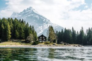 The Top Lake House Rentals For The Summer